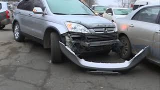 Отлетевший бампер и царапины на авто стали итогом ДТП на Некрасовской
