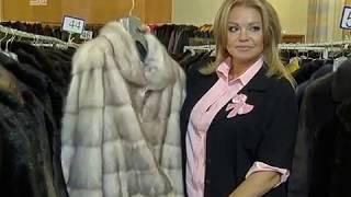 Летом дешевле. В Челябинске объявили распродажу шуб и пуховиков