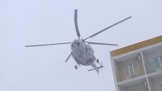 По легенде эвакуация из пожара пострадавшего при помощи вертолёта МИ-8