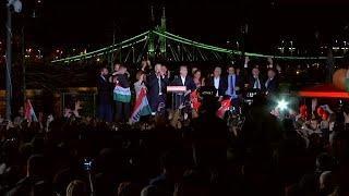 Виктор Орбан празднует победу