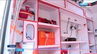 Иван Белозерцев вручил медикам ключи от новых машин скорой помощи
