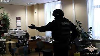 По подозрению в получении взятки задержали бывшего заместителя начальника налоговой инспекции