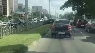 Камера наблюдения городской администрации зафиксировала автохама в Ставрополе