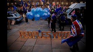 «Парламент может спокойно отменить Брэкзит». Почему Тереза Мэй перенесла голосование по выходу из ЕС