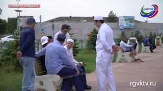 В Дагестан вернулись паломники из малого хаджа