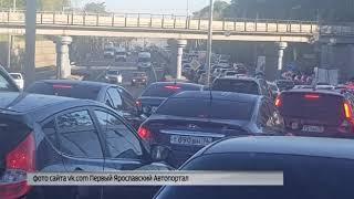 Из-за ремонтных работ утром на Московском проспекте образовалась гигантская пробка