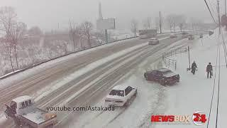 Сразу несколько снежных ДТП в Приморье попали на видео
