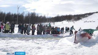 Прыжками в ледяной бассейн завершился сезон для горнолыжников и сноубордистов