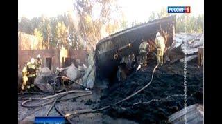 В Аксайском районе всю ночь тушили пожар на складе резинотехнических изделий