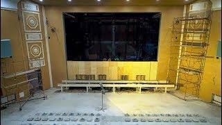 600 кг хрусталя и латуни украсят когалымский Малый театр