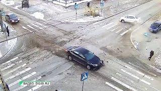 В Бийске произошло 2 ДТП по одному сценарию и на том же месте (13.11.18г., Бийское телевидение)