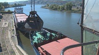 Калачевский порт начал отгрузку зерна на экспорт