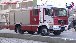 Спасатели провели профилактическую проверку одного из торговых центров Махачкалы