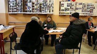 """Навальный: """"людей по всей стране свозят на избирательные участки"""""""
