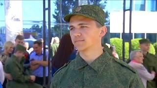 Десять калининградцев отправились служить в Президентский полк