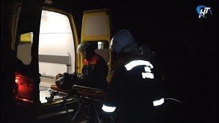 Борт МЧС экстренно доставил пострадавшего в ДТП жителя Чудова в областную больницу