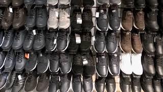 В Саратове изъято 467 единиц поддельной одежды и обуви с логотипами известных марок