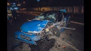 В Киеве на Харьковском шоссе Opel протаранил в лоб Taxify
