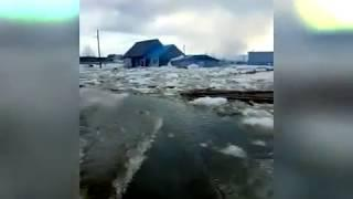 Енисей затопил поселок Ворогово
