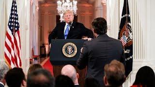 Почему журналиста CNN Джима Акосту лишили пропуска в Белый дом? Фрагмент Ньюзтока RTVI