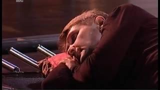 Монологи в физкультурном зале. Челябинская драма закрыла сезон любимым спектаклем Марка Захарова