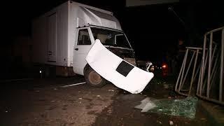 На Рабочей водитель Iveco заснул за рулем и снес столб