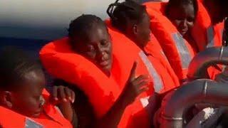 ЕС хвалит Испанию, журит Италию