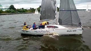 Яхтсмены борются за кубок имени Алексеева на Горьковском море