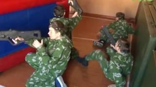 """В Самаре в 13-й школе проходит патриотическая акция """"Все мы – Россия! Вместе мы сила!"""""""
