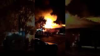 Пожар на центральном рынке в Ахтубинске