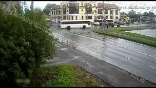В Рыбинске пьяного пешехода сбил автобус