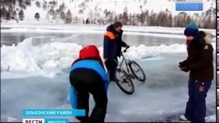 Разломы льда и ураганный ветер не испугали участников экстремальной гонки на Байкале