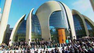 Эрдоган открыл мечеть и завершил визит