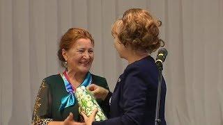 Урайцам почётного возраста вручили медали
