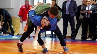 В Ханты-Мансийске устроили «борьбу» за мир