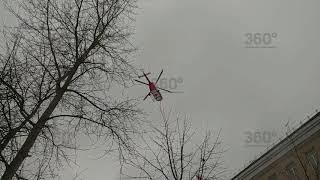 Вертолет забрал в больницу сбитую на севере Москвы девочку