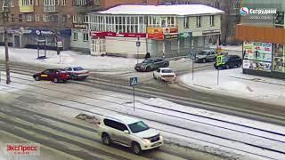 ДТП Бийск на перекрестке ул. Васильева - Липового 19.02.2018