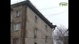 Ремонтируют по гарантии. Подрядчики устраняют за свой счёт проблемы крыш и фасадов после зимы