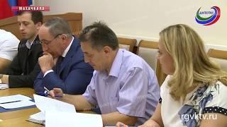 В правительстве республики обсудили ввод в эксплуатацию новых школ и детсадов