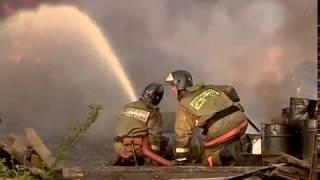 В результате пожара на складе лакокрасочных материалов в Ярославле погиб человек, есть пострадавшие