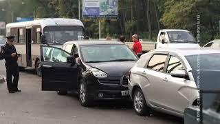 В Ростове произошло массовое ДТП с участием маршрутки