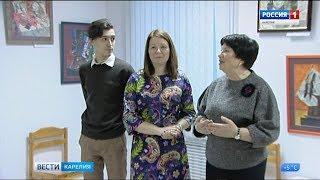 В Петрозаводске открылась семейная выставка непрофессиональных художников