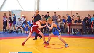 В Минусинске прошел турнир по греко-римской борьбе среди юношей 11-14 лет