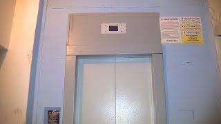 В многоэтажном доме Краснооктябрьского района сломался новый лифт
