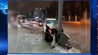 В Ростове на улице Театральной столкнулись две иномарки, есть пострадавший