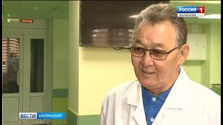 Открыта мемориальная доска Заслуженному врачу России Михаилу Эренценову