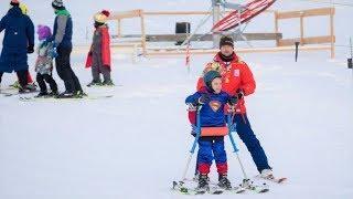 Бэтмен и Супермен открыли горнолыжный сезон в Ханты-Мансийске