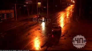 Иномарка перепутала дорогу с рельсами. Краснодар, 13 февраля