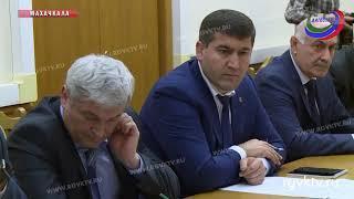Реализацию проекта «100 школ» обсудили в правительстве Дагестана