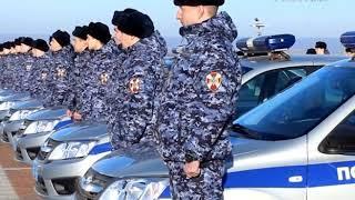 Новые служебные автомобили вручили на площади Славы сотрудникам Росгвардии
